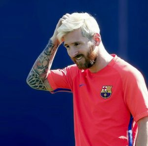 45-messi-goes-blonde