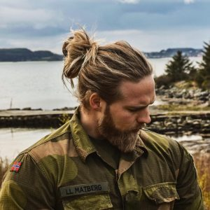 6-easy-man-bun