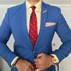 1-blue-blazer-with-red-tie