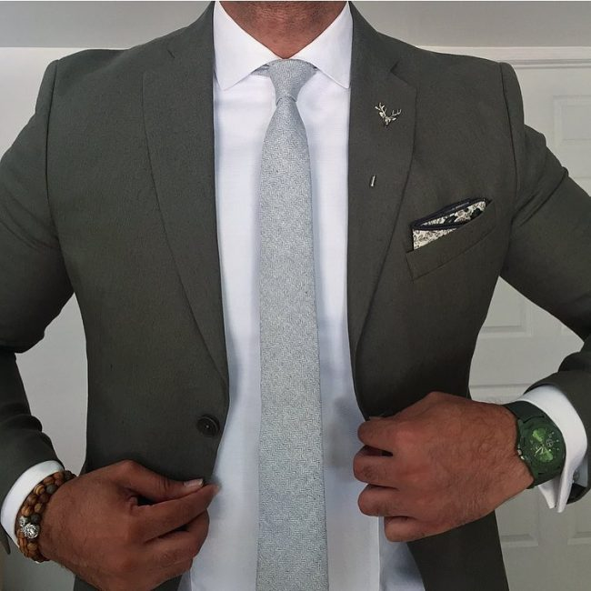 10-dark-green-blazer-with-an-ice-blue-tie