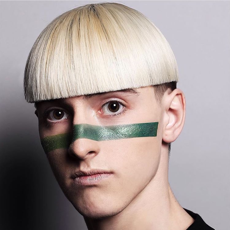 25 Trendy Bowl Cut Hairstyles