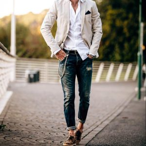 14-trendy-cream-blazer-with-jeans