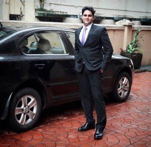 19-professional-look-with-black-blazer