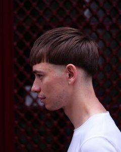 19-trendy-bowl-with-choppy-bangs