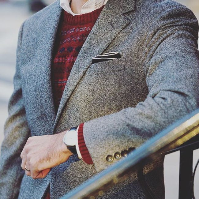 20-tweed-jacket-with-maroon-sweater