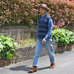 23-hat-and-denim-shirt-cowboy-look