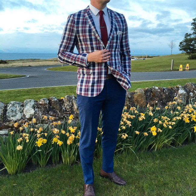 25-checkered-blazer-with-blue-trousers