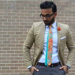28-ivory-suit-with-paisley-printed-tie