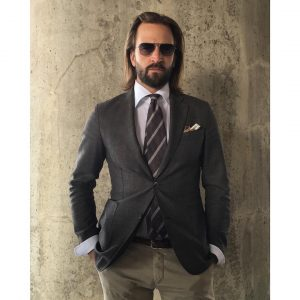 31-the-black-fitting-blazer