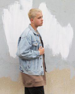 38-forever-21-light-blue-denim-jacket
