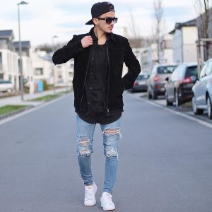 4-street-style-ripped-jeans