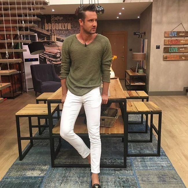 5-olive-and-white-outfit