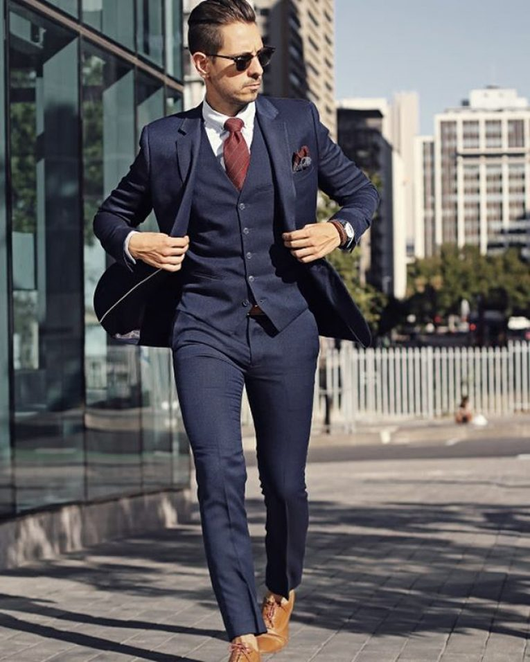 What Colour Shoes To Wear With Navy Blue Suit