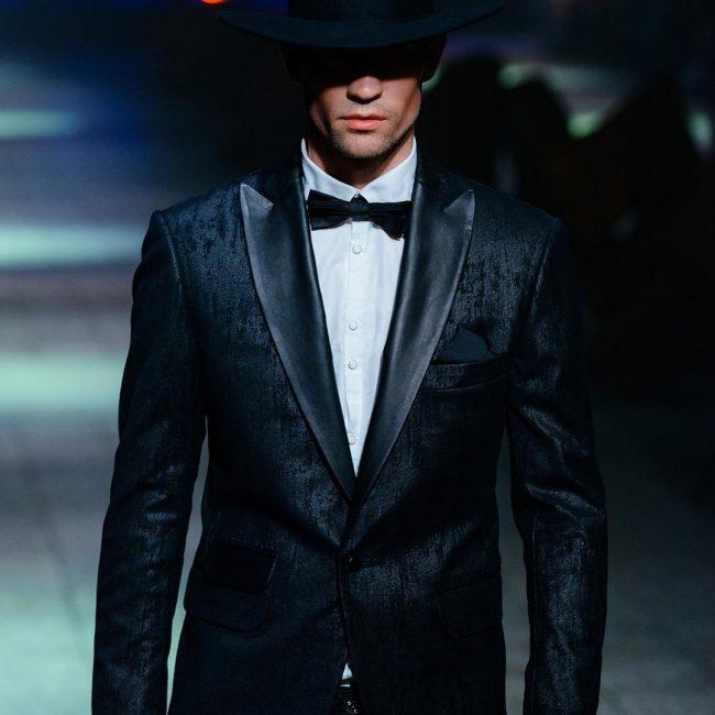 1-black-tie