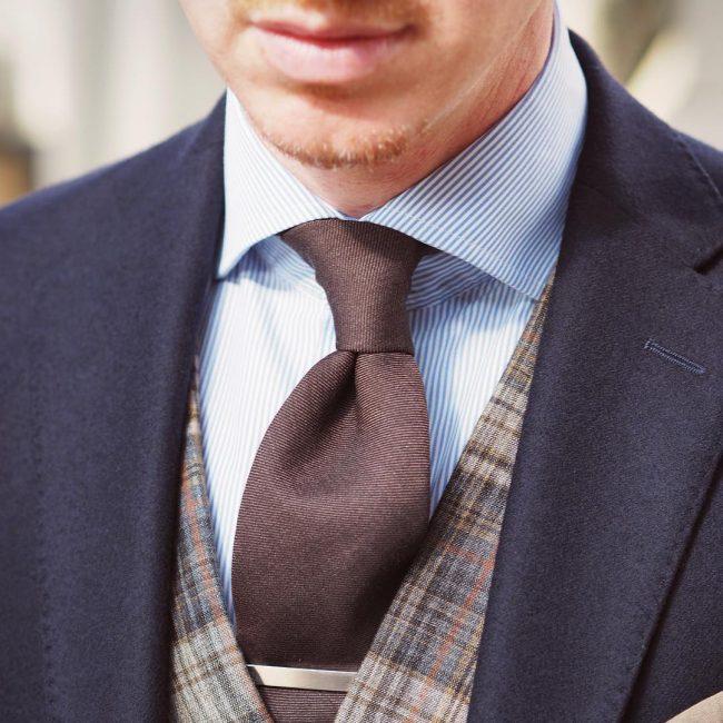 1-plain-beige-elegance