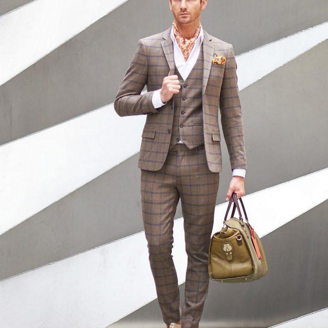 10-patterned-cravat