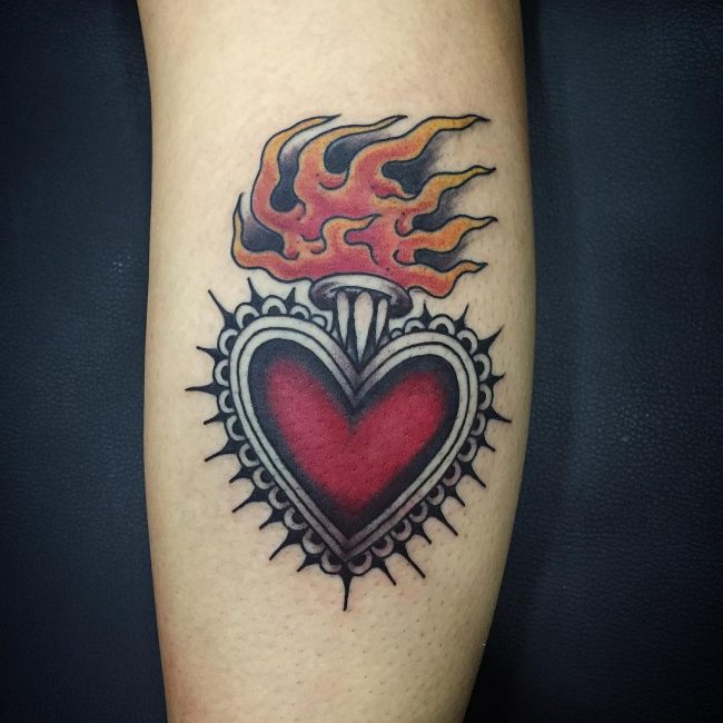 90 hypnotizing flame tattoo designs blazing hot body art. Black Bedroom Furniture Sets. Home Design Ideas