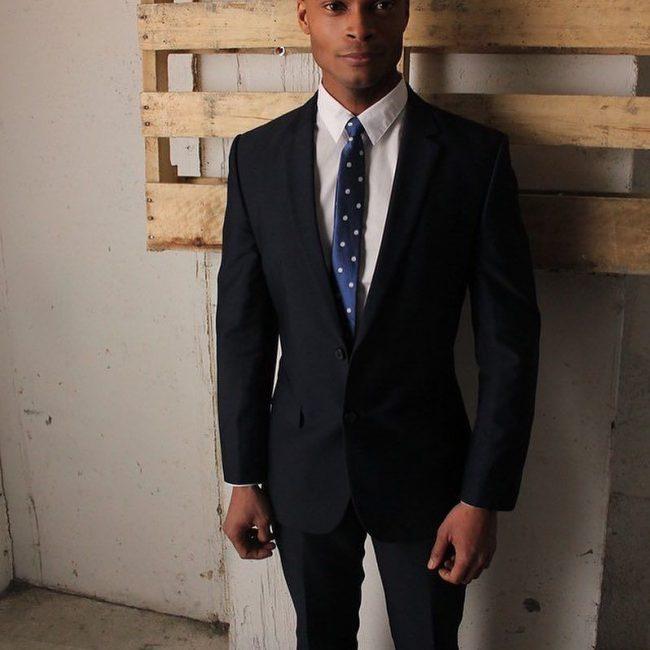 12-dark-navy-with-silk-tie