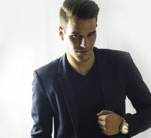 12-wavy-high-pomp-with-tapered-sides