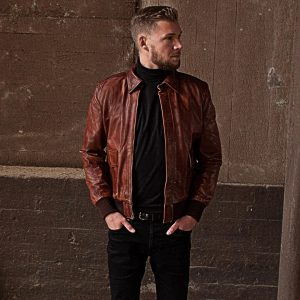17-authentic-look-with-a-premium-leather-jacket