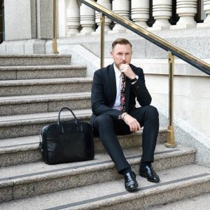17-soft-briefcase-in-black