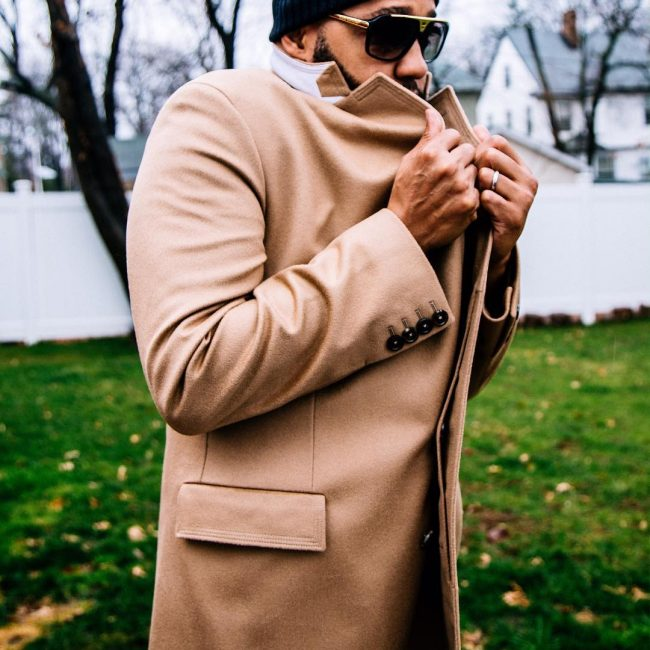 2-long-coat-with-beanie-hat-and-sunglasses