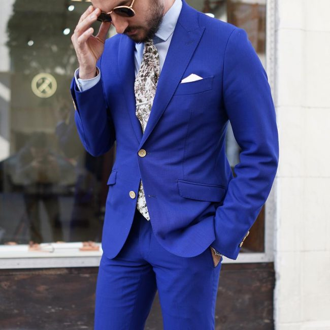 23-sexy-cobalt-outfit