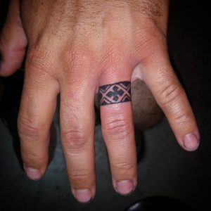 WeddingRingTattoo24