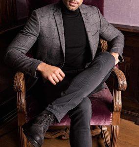 26-checked-tweed-jacket-and-turtleneck