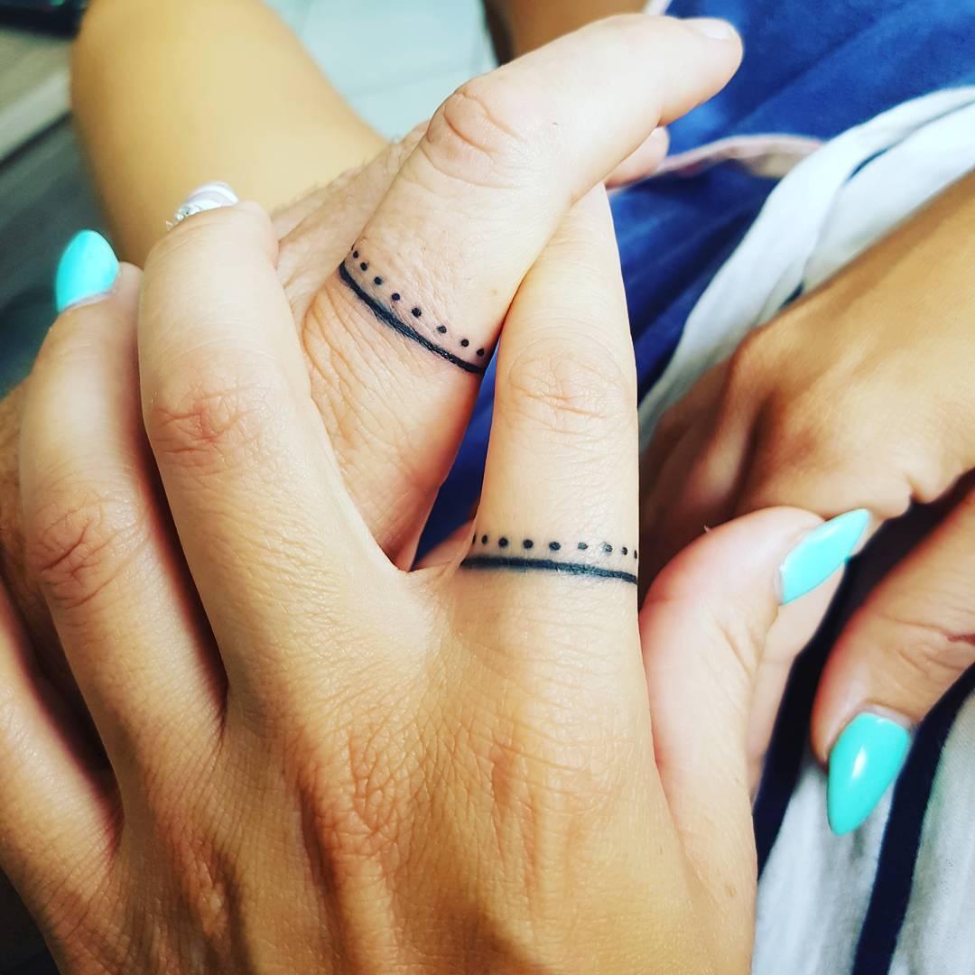 Татуировки на безымянном пальце для девушек фото