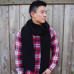 3-simple-black-knit