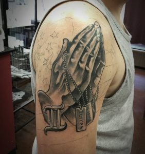 PrayingHandsTattoo31