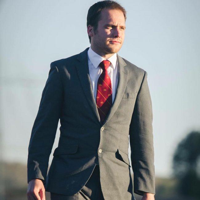 37-simple-grey-suit