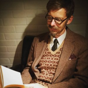 39-v-neck-sweater-and-tweed-jacket-combo