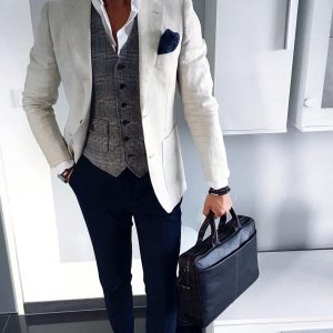 4-classy-and-flawless-black-briefcase