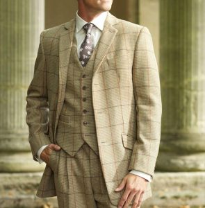 41-classic-fitting-checked-suit