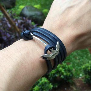 4-the-black-anchor-bracelet