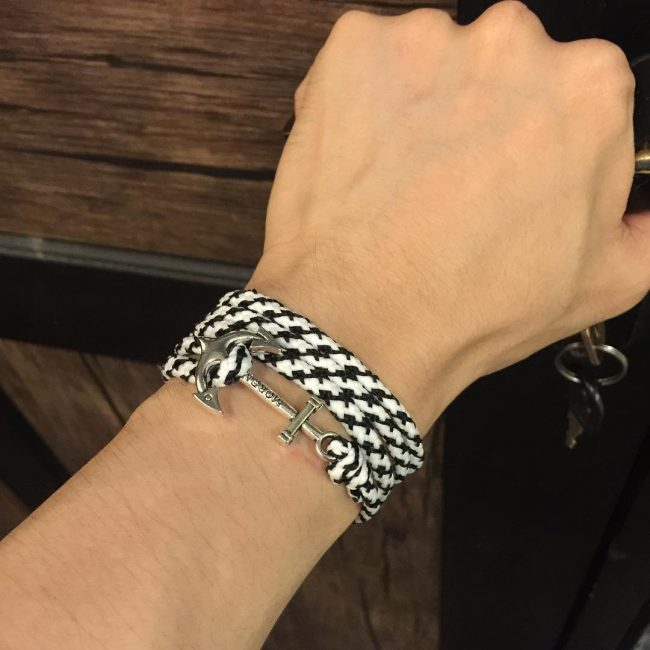 8-the-black-and-white-anchor-bracelet