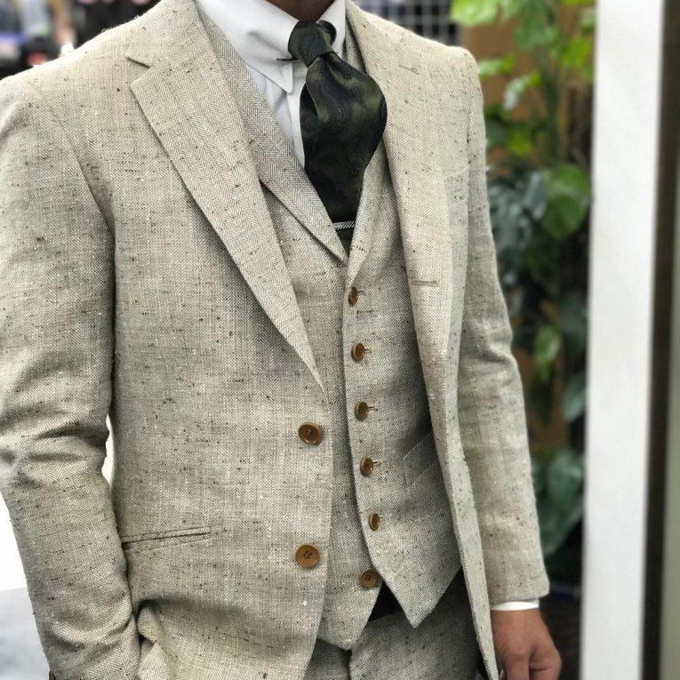 Tweed Suit 52