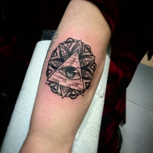 all-seeing-eye-tattoo25