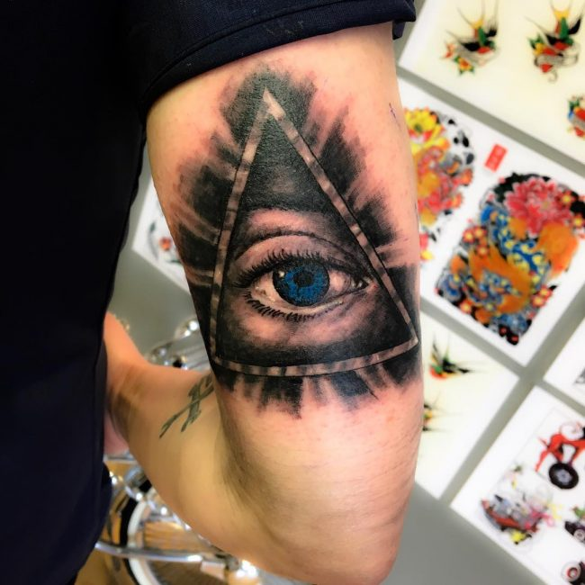 all-seeing-eye-tattoo38