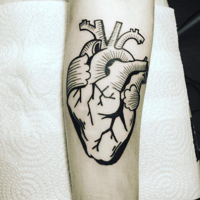 anatomical-heart-tattoo-3