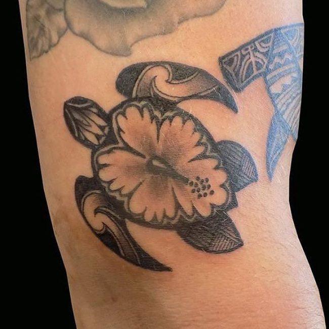 hibiscus-tattoos-49