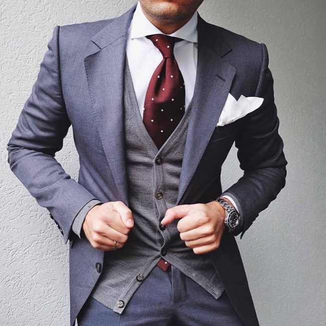 1-classic-fitting-grey-designer-suit