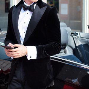1-tie-with-a-black-velvet-jacket