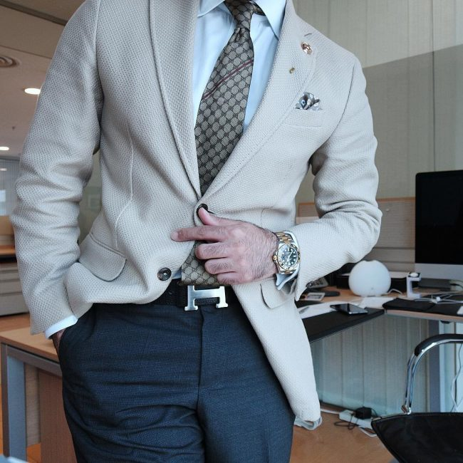 10 Cream White Blazer with Blue Trousers