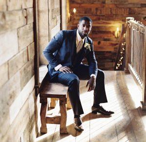 10 Dark Blue Suit & Tan Brown Shoes