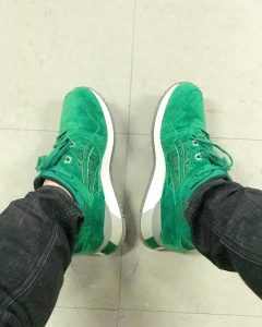 10 Light Green Suede Trainer Shoes & Fitting Grey Jeans