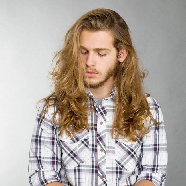 10 Long Separated Curled Hair