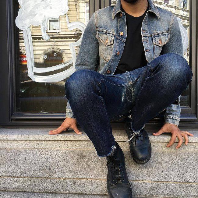 10 Torn Blue Jeans & Black T-Shirt